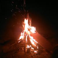 束河的篝火