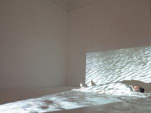 和丽斌作品《花园—七天行为计划》行为 2014年 北京798妙有艺术空间