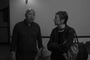 与诗集《被暗示的玫瑰》的法译者尚德兰在巴黎 2014